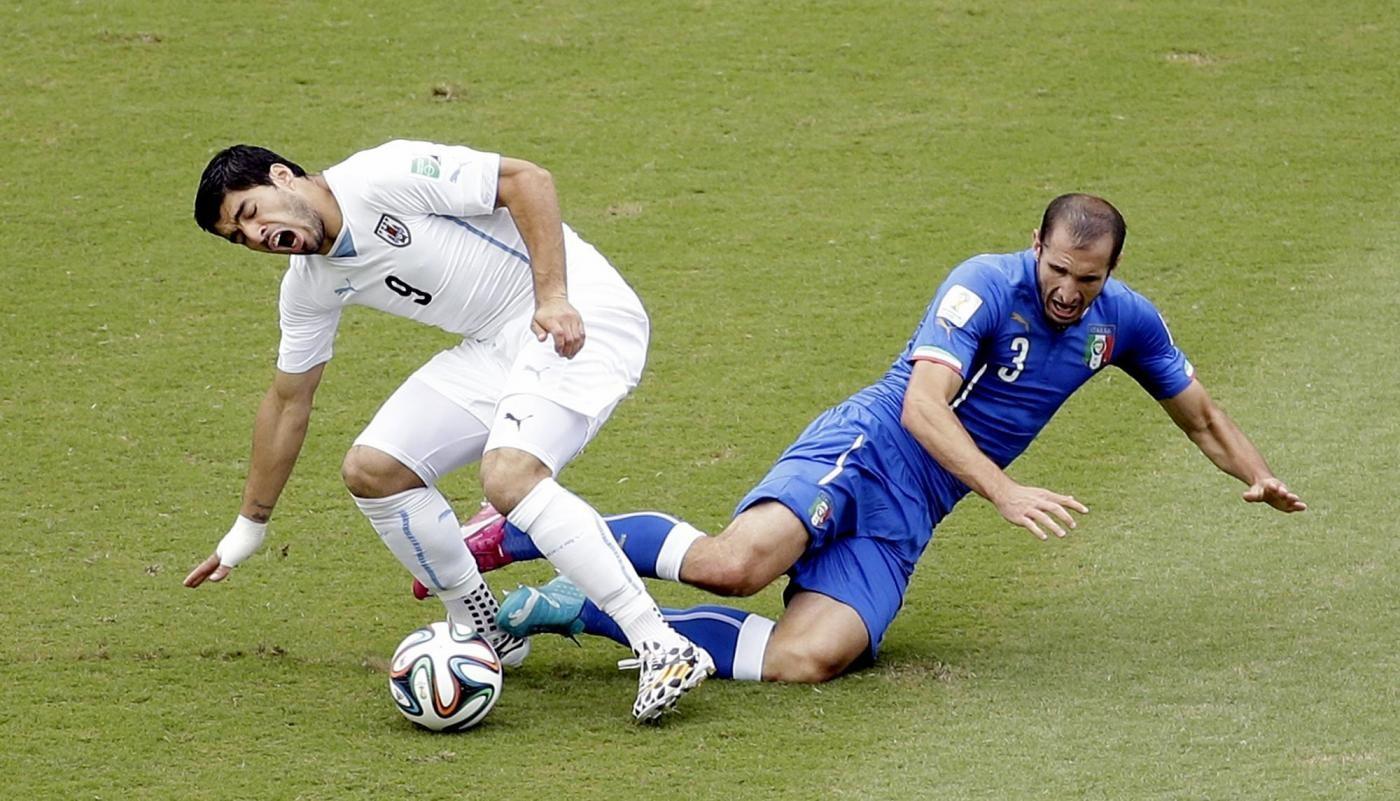 Mondiali 2014, Suarez fa mea culpa: Mi scuso con Chiellini e con il mondo del calcio