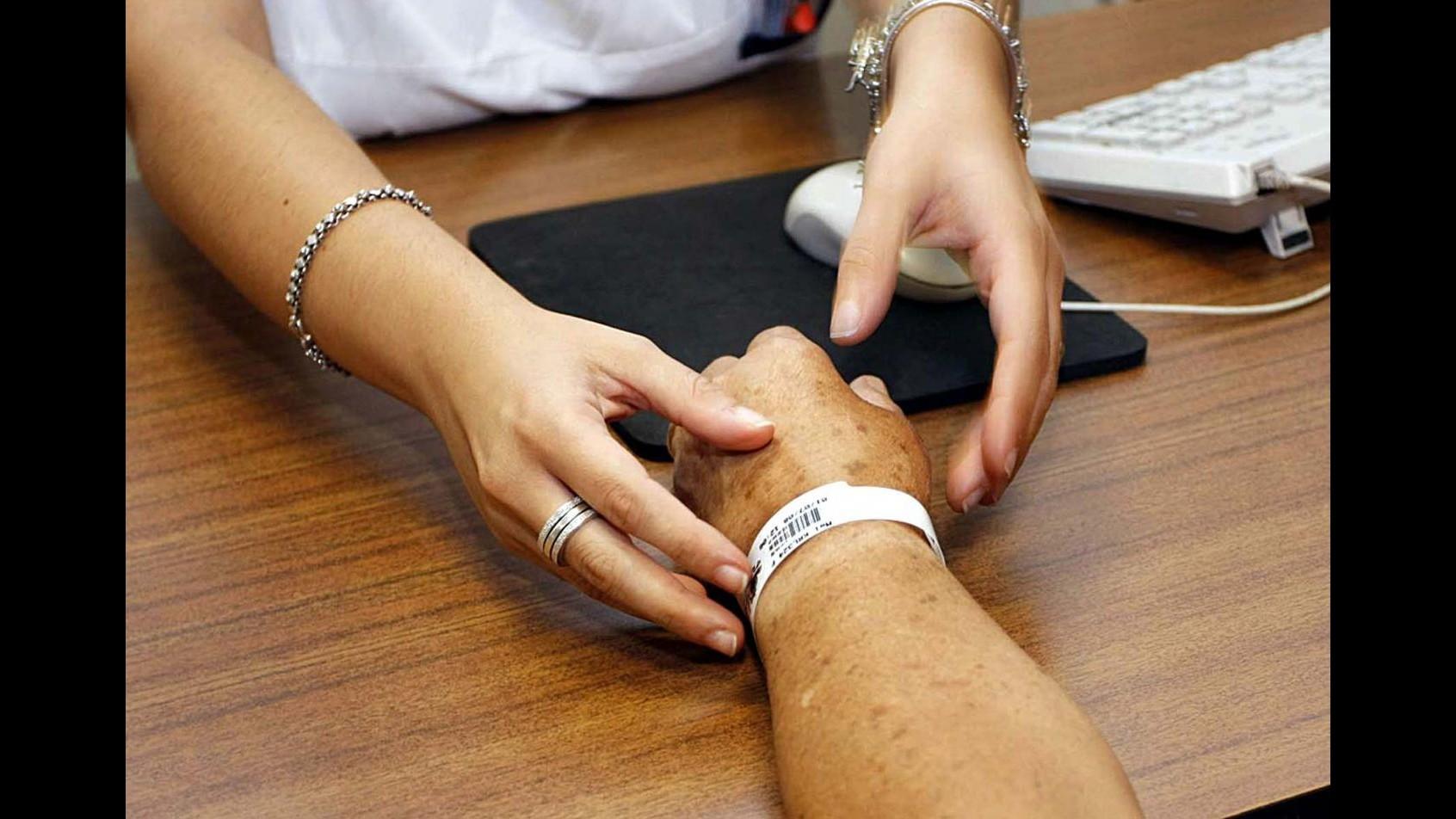 Perugia, denunciati 800 professionisti di 13 ospedali umbri per falsi ricoveri