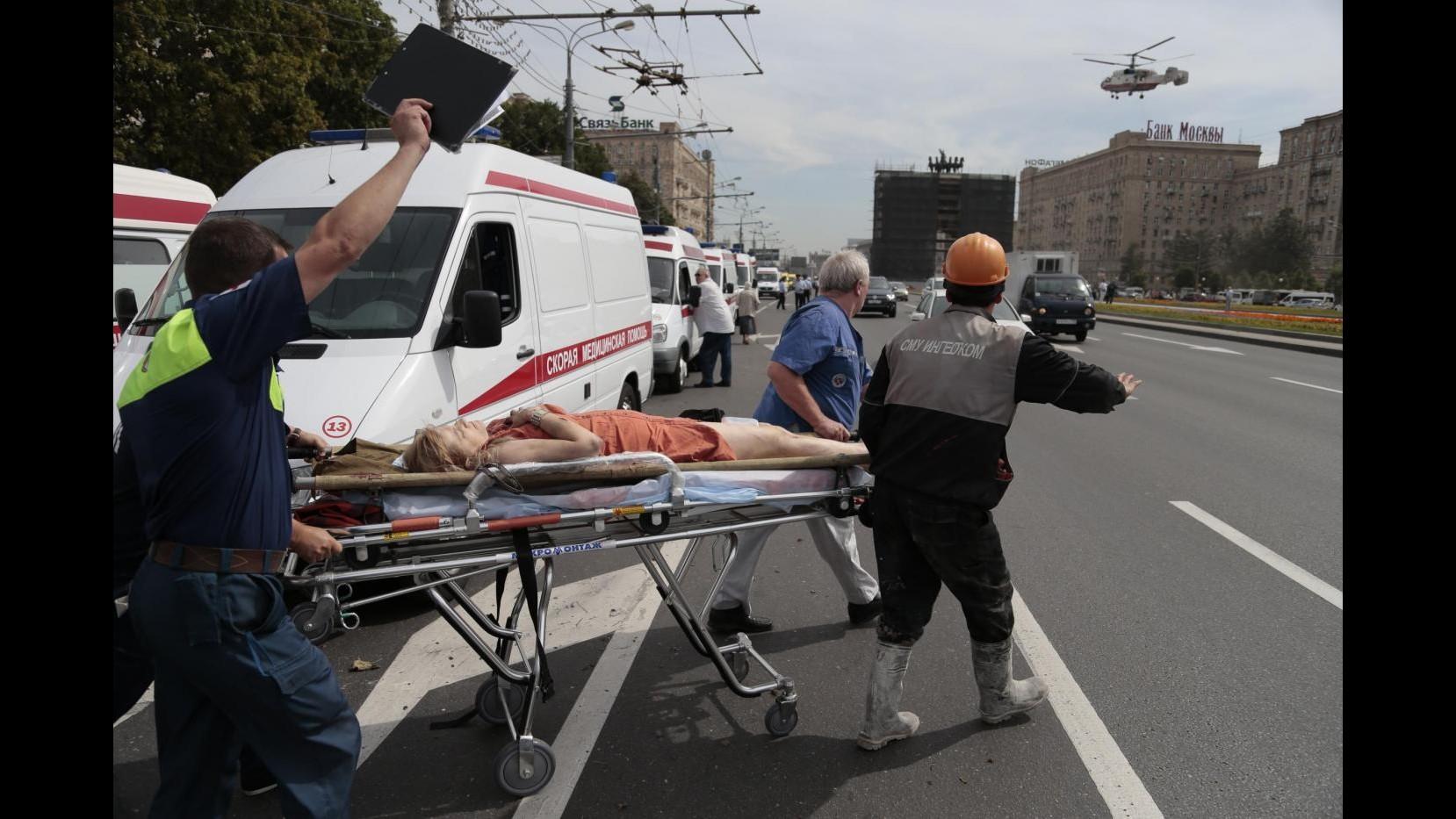 A Mosca deraglia treno metropolitana: almeno 20 i  morti,  150 le persone ferite