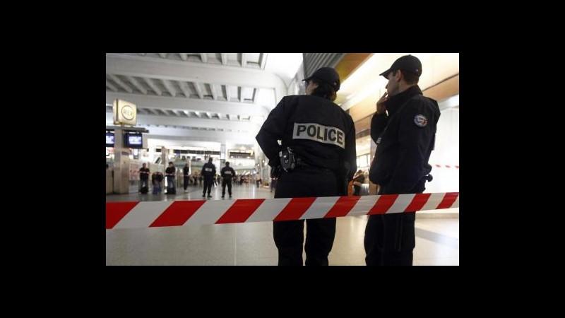 Francia, arrestato 22enne per aggressione soldato a Parigi