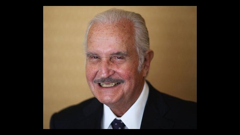 Fbi spiò per vent'anni lo scrittore messicano Carlos Fuentes