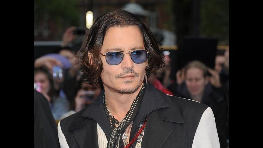 Johnny Depp: Non bevo da 18 mesi, smesso dopo separazione da Vanessa