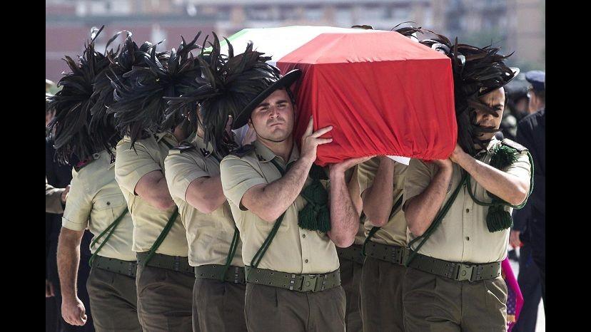 Afghanistan, commozione a funerali maggiore Giuseppe La Rosa