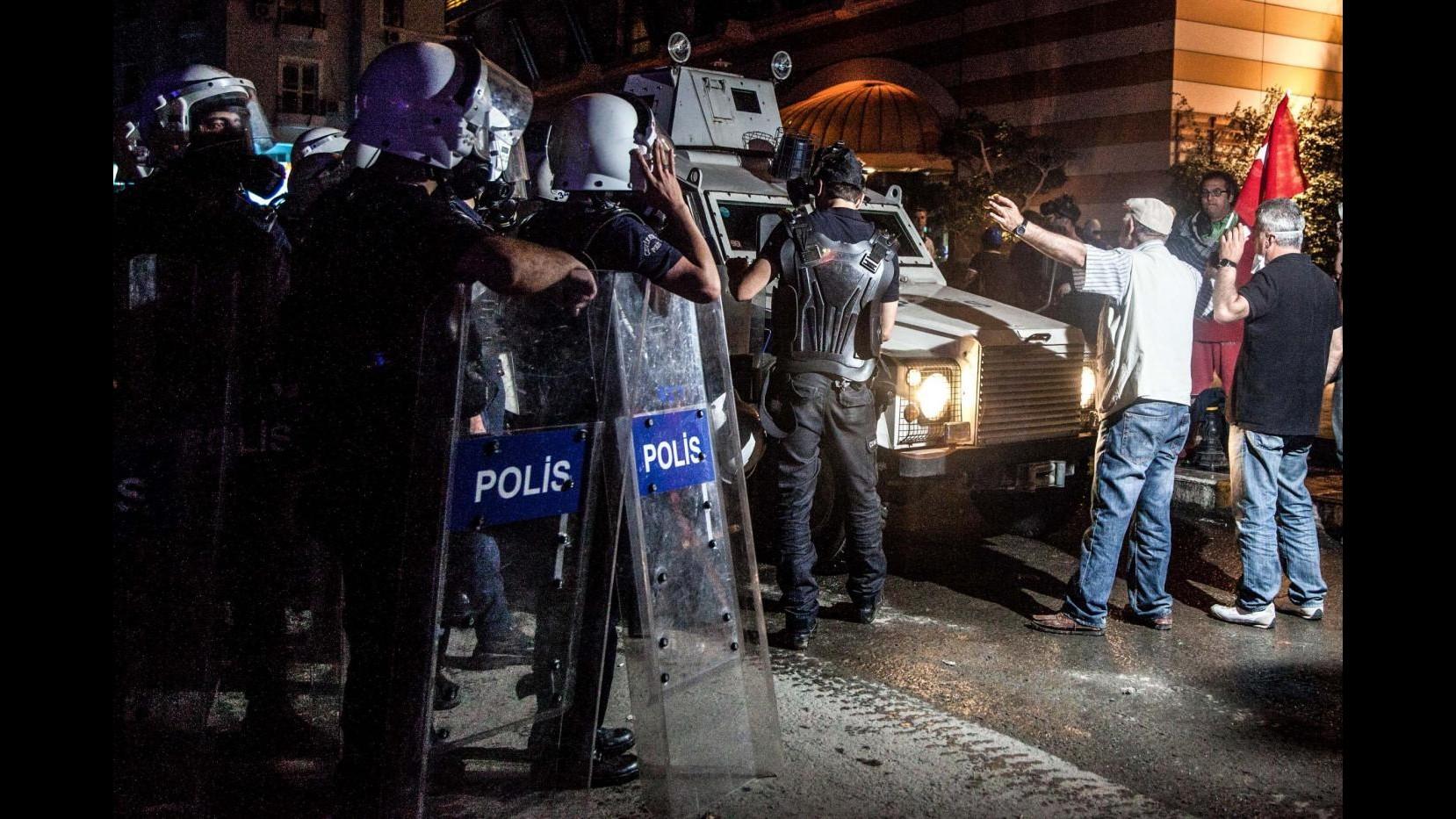 Turchia, fermato fotoreporter italiano: filmava scontri Gezi Park