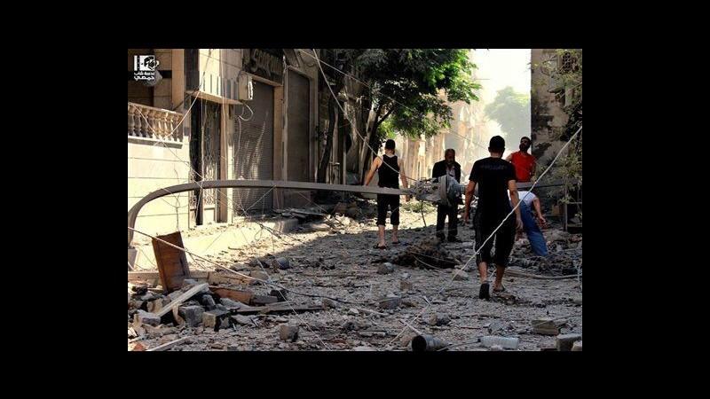 Siria, media di stato e attivista: Esercito avanza a Homs