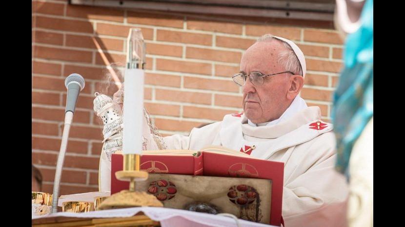 Enciclica Papa: Famiglia e matrimonio solo da unione tra uomo e donna