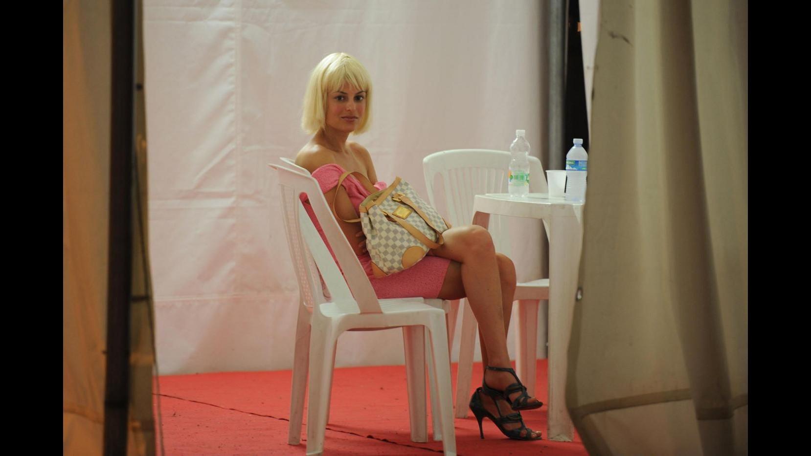 Salerno, convinsero Sara Tommasi a fare film porno: due arresti
