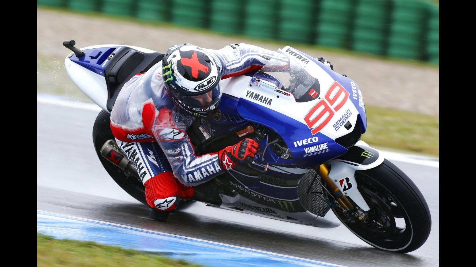 MotoGp, Assen: Rossi leader nel warm up, Lorenzo rientra e chiude 8°
