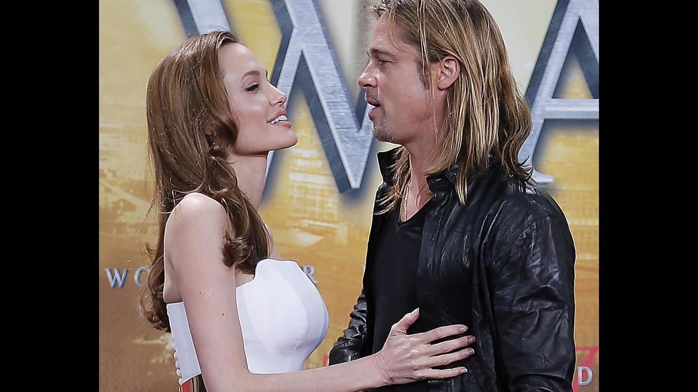Brad Pitt e Angelina Jolie fissano le nozze: sarà entro l'estate