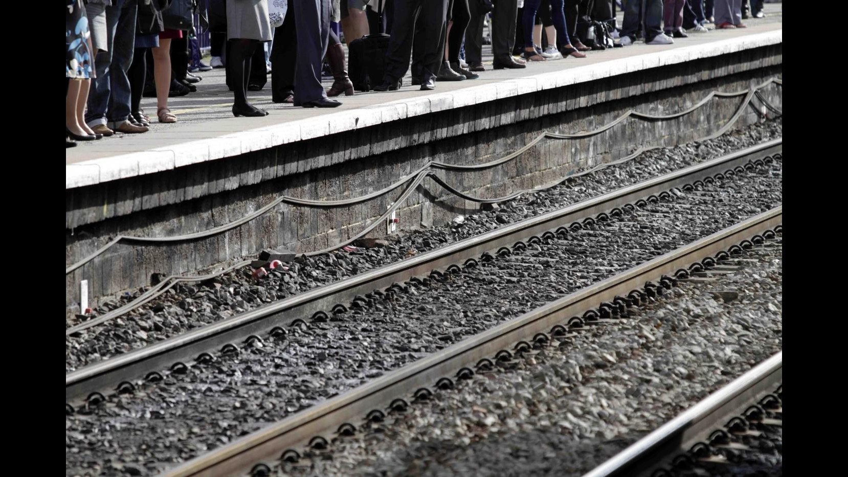 Spagna, deraglia treno a Santiago de Compostela: decine di morti