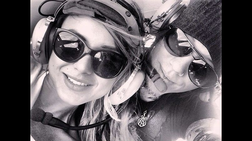 Guns N'Roses, Ashba fa proposta nozze in elicottero polizia: scatta indagine