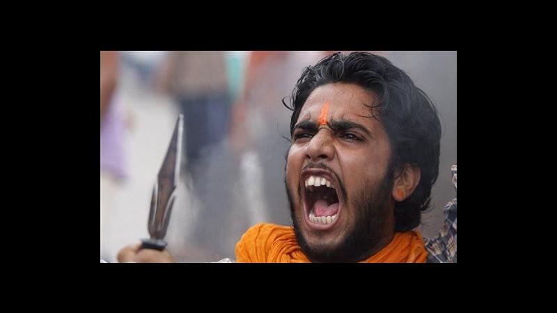 Kashmir, ancora scontri tra induisti e musulmani: tre feriti a Paddar
