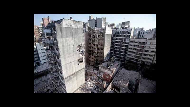 Argentina, ancora 11 dispersi per esplosione palazzo, salvato un gatto