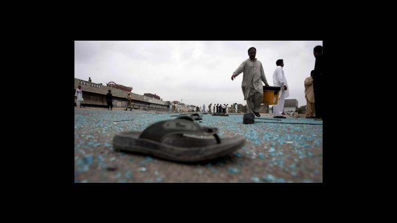 Pakistan, kamikaze a funerale a Quetta: 30 morti, oltre 55 feriti