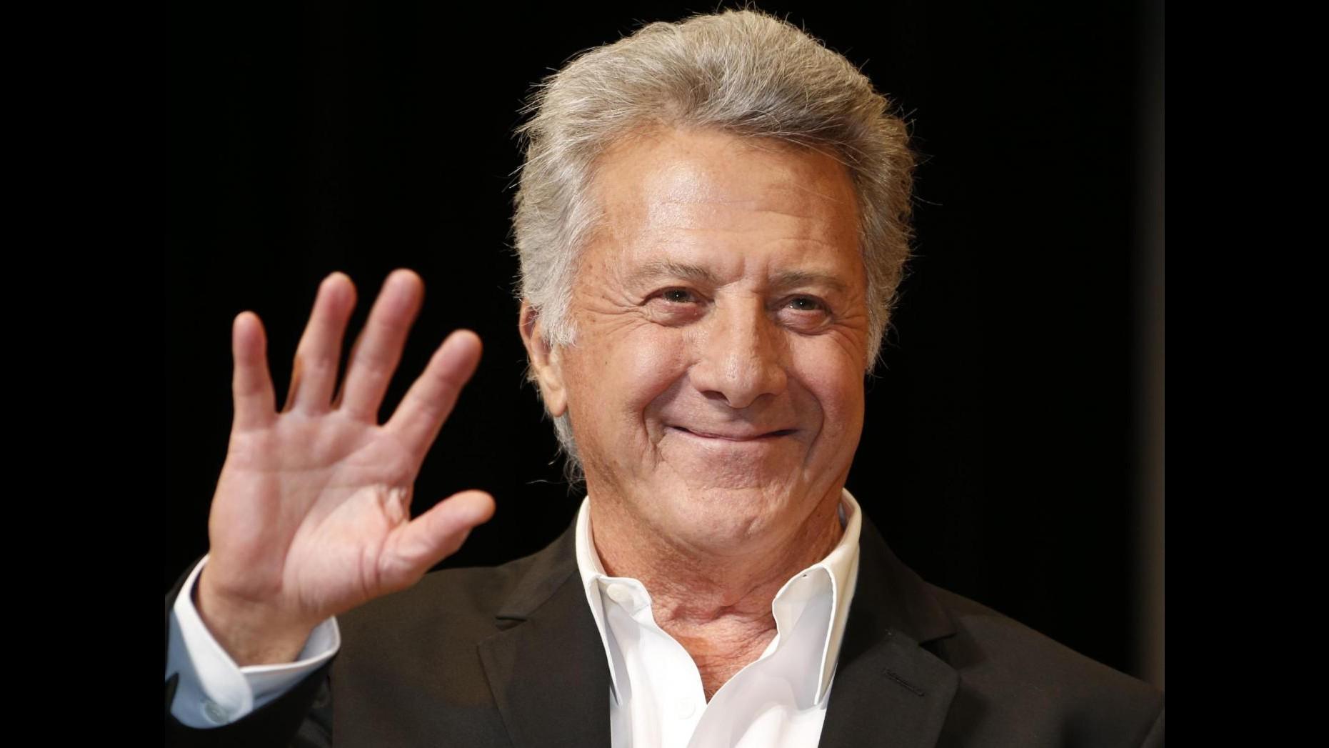 Dustin Hoffman è stato operato per un cancro: sta bene