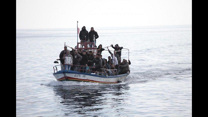 Sbarchi, in arrivo 1400 migranti sulle coste italiane: 20 anche a Teulada
