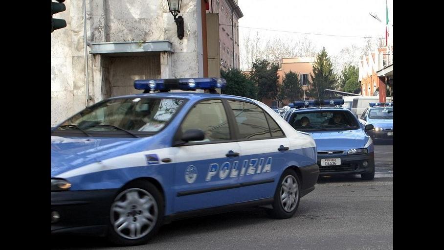 Lecce, aveva materiale pedopornografico: bidello ai domiciliari