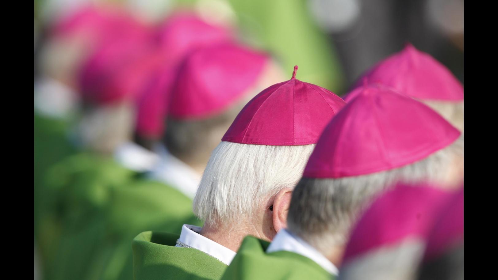 Gmg, 'febbre del sabato sera' per i vescovi: a flashmob ballano e cantano
