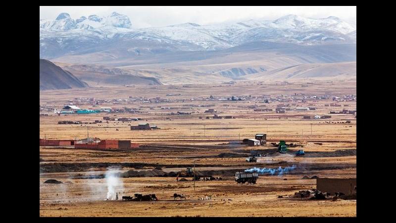 Bolivia, autobus turistico si schianta: 3 italiani morti e 3 feriti