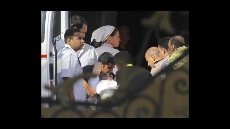 Egitto, Mubarak è stato scarcerato, ora ai domiciliari in ospedale