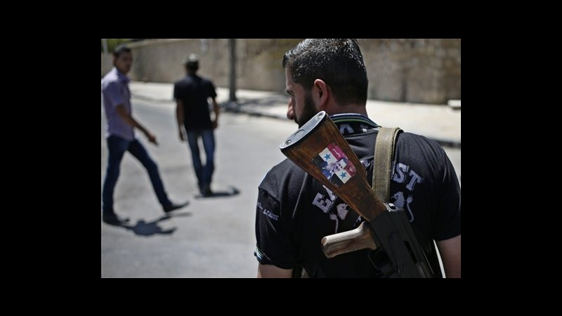 Siria, attivisti: Regime bombarda ancora sobborghi orientali Damasco