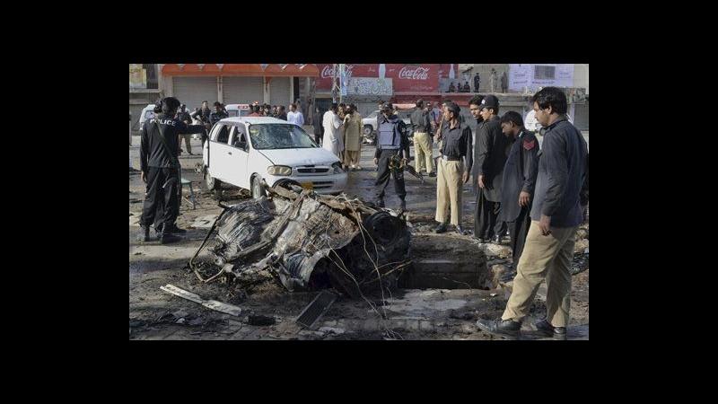 Pakistan, attentato in bazar di Quetta: 3 morti, 24 feriti