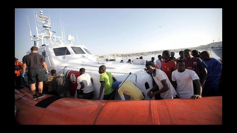 Sbarchi, affonda barcone a Malta: 9 salvati, 20 dispersi