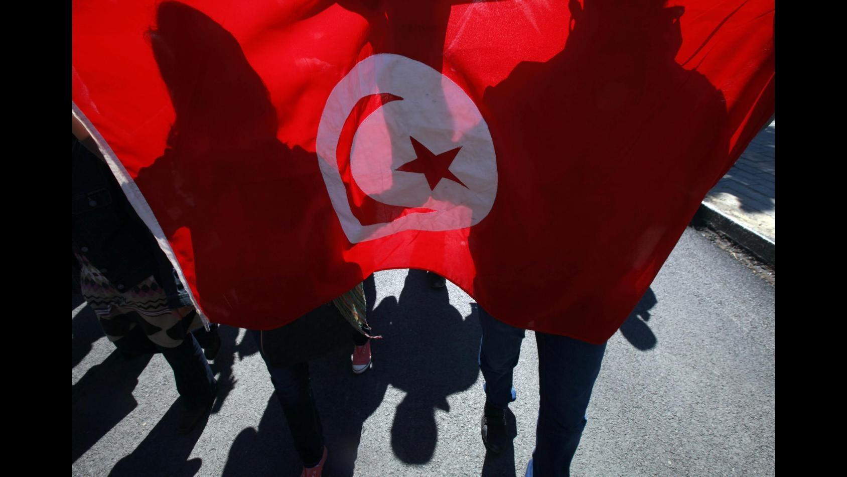 Tunisia vota a 4 anni da rivoluzione: sfide lavoro e terrorismo