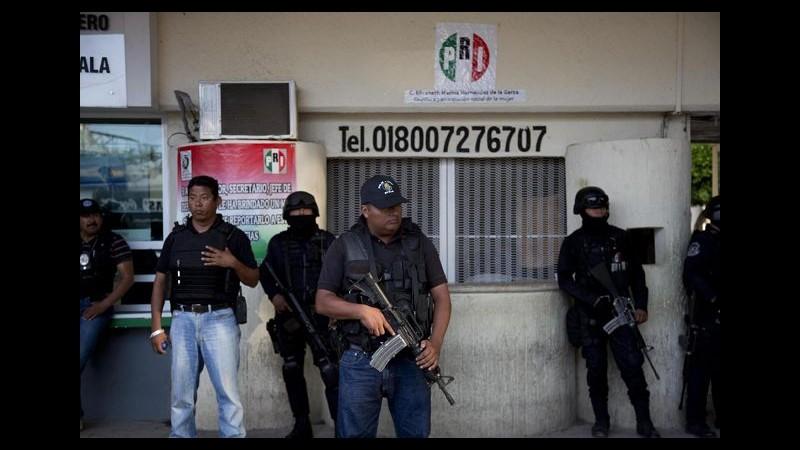 Messico, polizia federale prende controllo a Iguala: ricerche studenti scomparsi