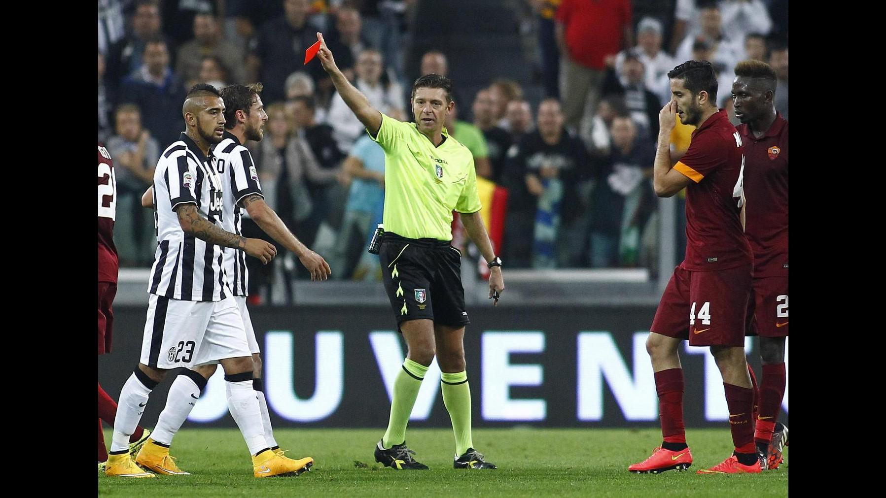 Serie A: 2 turni di stop a Manolas. Juve multata per schiaffi tifoso a panchina Roma