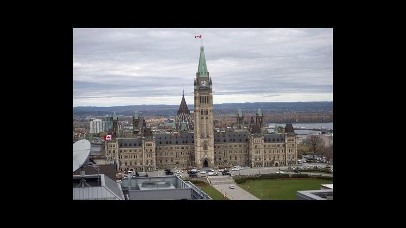 Canada, polizia: 3 gli aggressori, uno morto e altri 2 ricercati