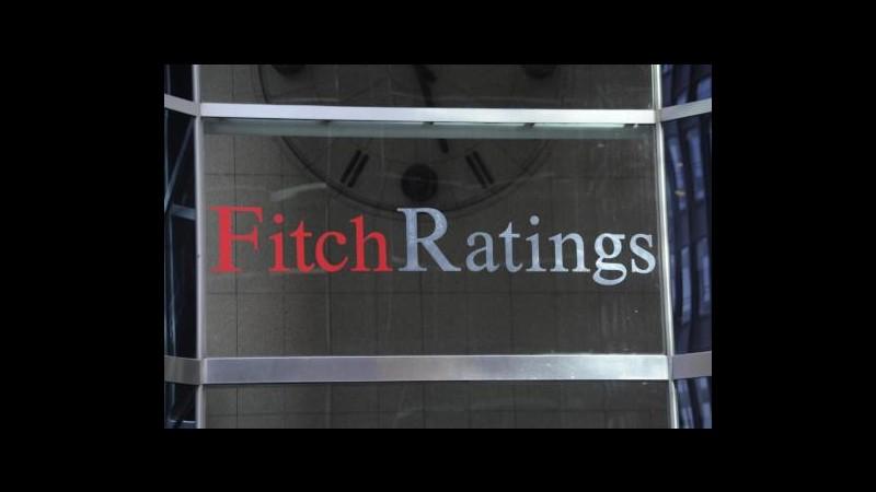 Banche, Fitch: Migliorato scenario Spagna, rischi su istituti Italia