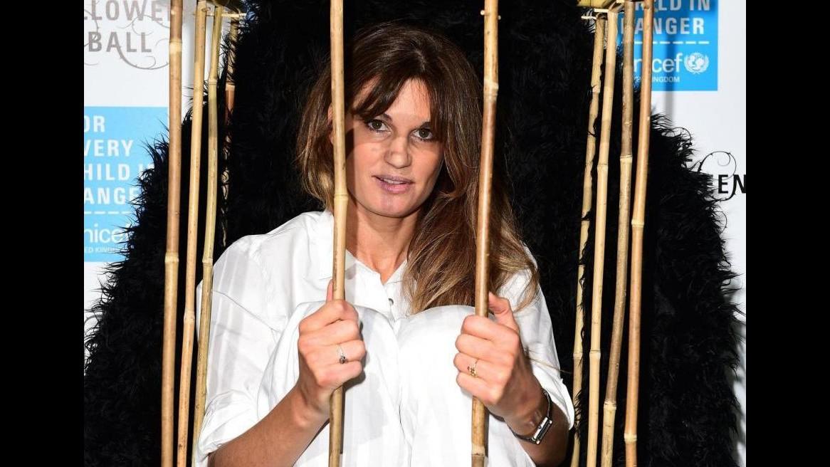 Festa di Halloween dell'Unicef: attivista Jemima Khan dentro una gabbia