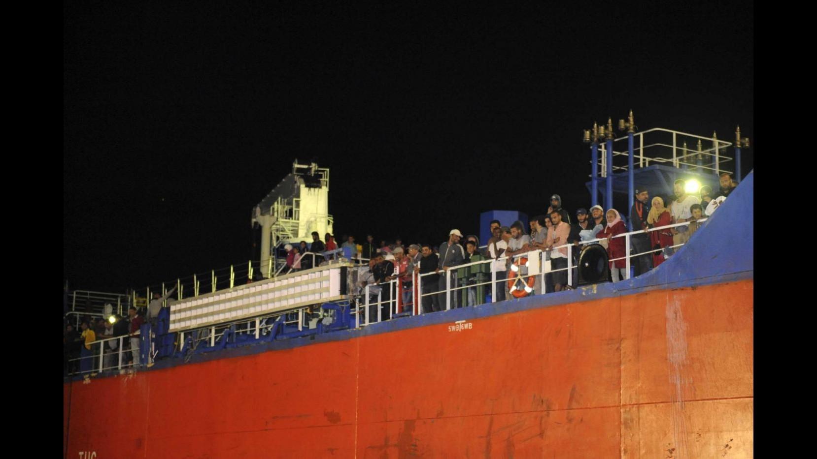 Immigrazione,Gb: Non sosterremo operazioni salvataggio in Mediterraneo