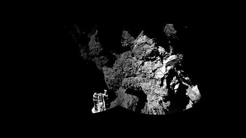 Spazio, Philae comincia a perforare la cometa, timori per la batteria