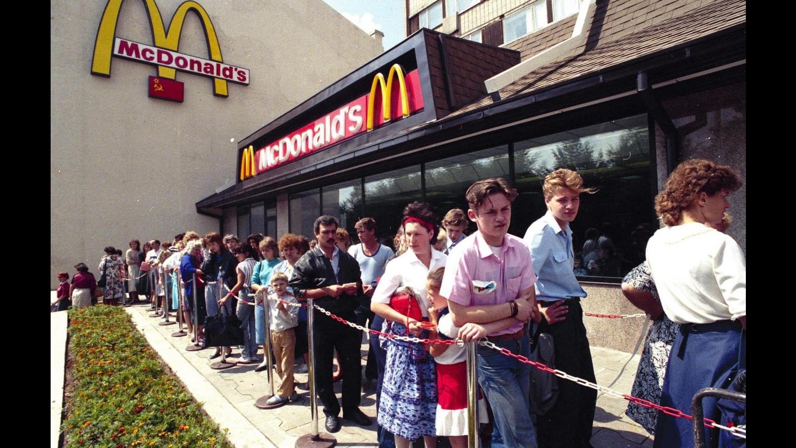 Lavoro, McDonald's: Mille neoassunti nel 2014, cambiare regole subito
