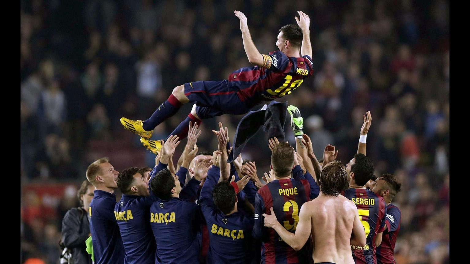 Liga, Messi da record: 253 gol in campionato, Barça-Siviglia 5-1. Poker Real all'Eibar