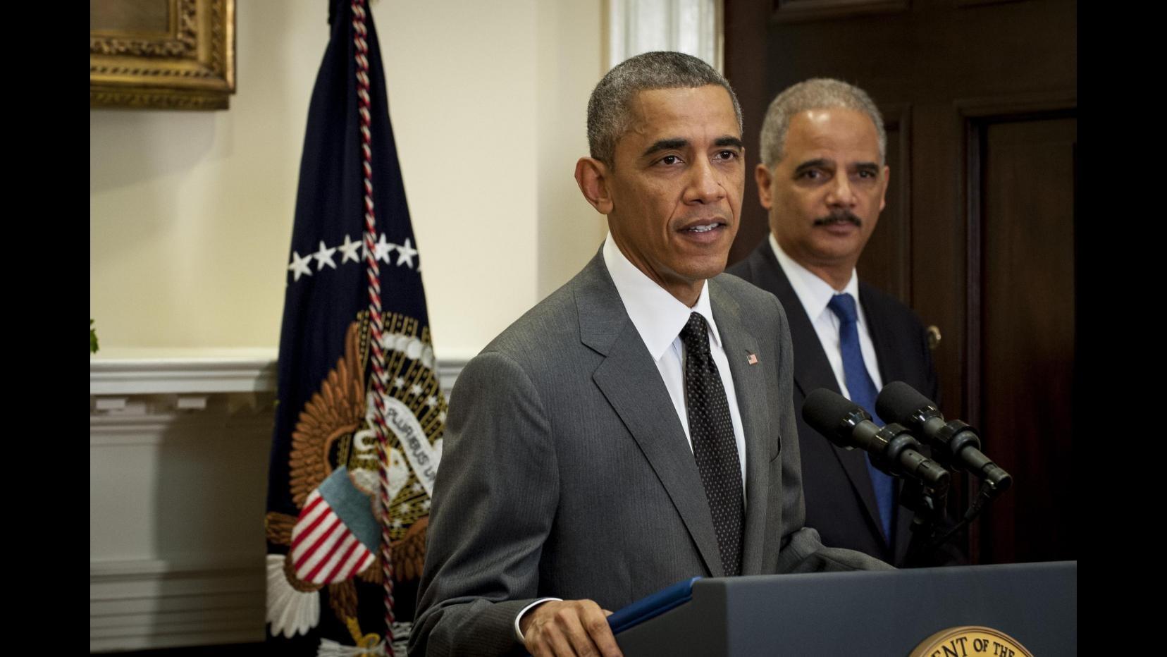 Usa, Obama: Omicidio agenti NY da condannare in modo incondizionato