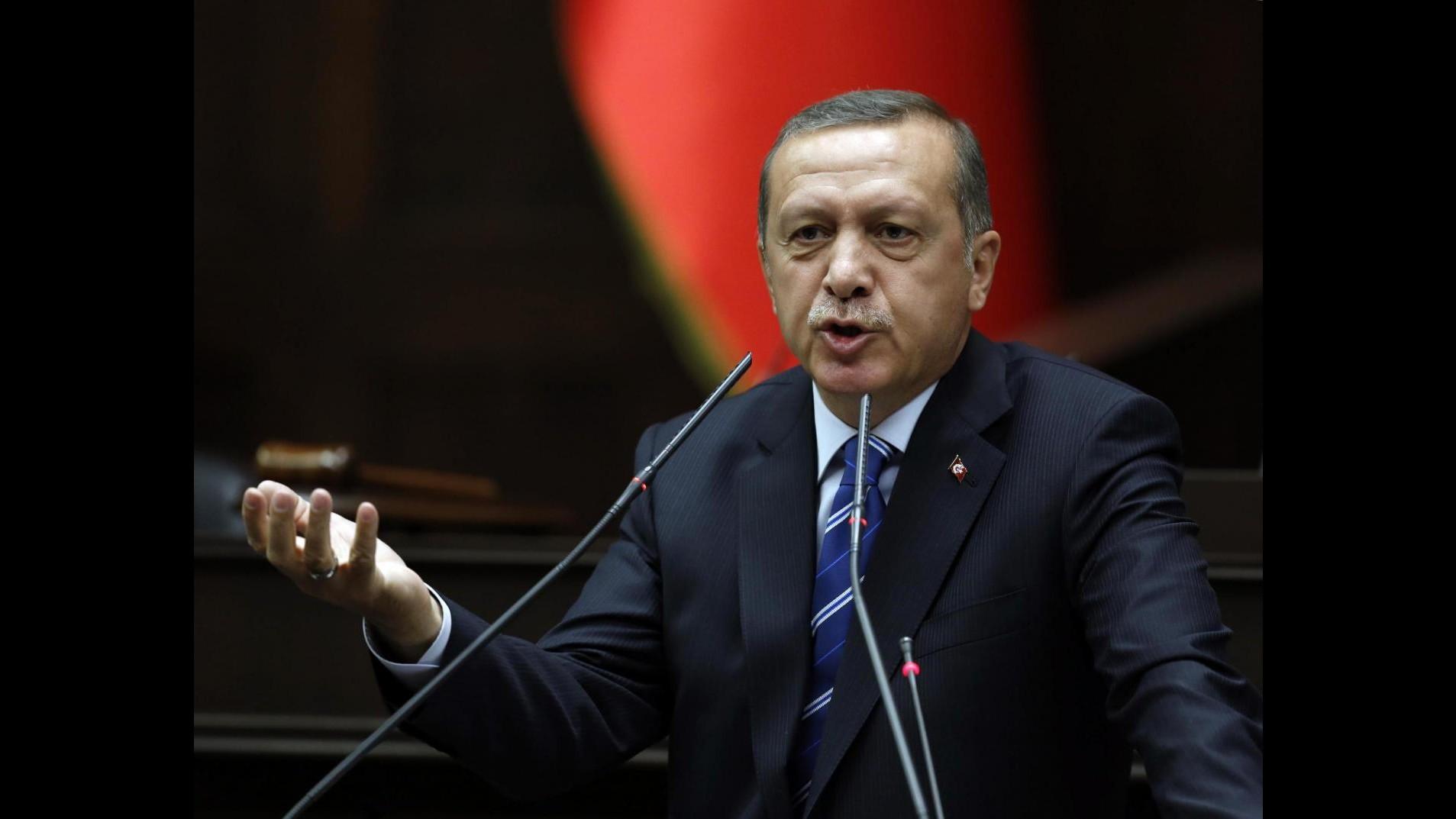 Turchia, rilasciato direttore Zaman, arresto confermato per 4 persone