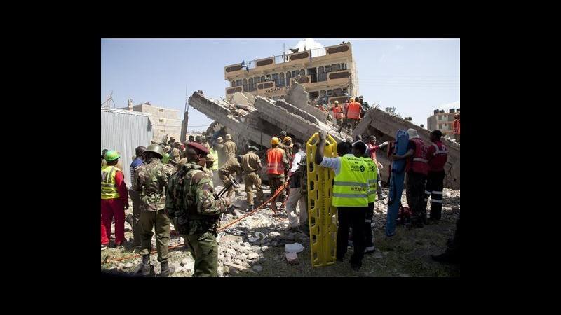 Kenya, crolla palazzo 5 piani a Nairobi: 7 estratti vivi da macerie