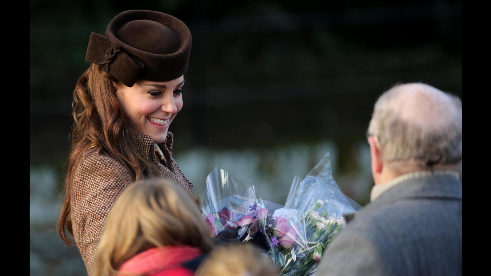 I reali inglesi alla messa di Natale: elegantissima Kate