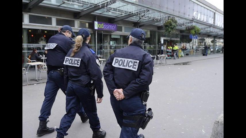 Francia, fermato presunto complice di Coulibaly. Siti media nazionali fuori servizio