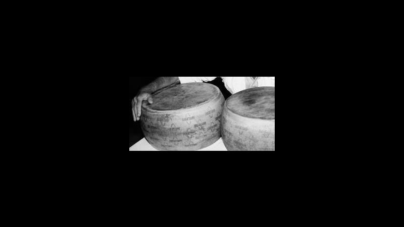Mipaaf: Sbloccate esportazioni Parmigiano e Grana Dop in Corea del Sud