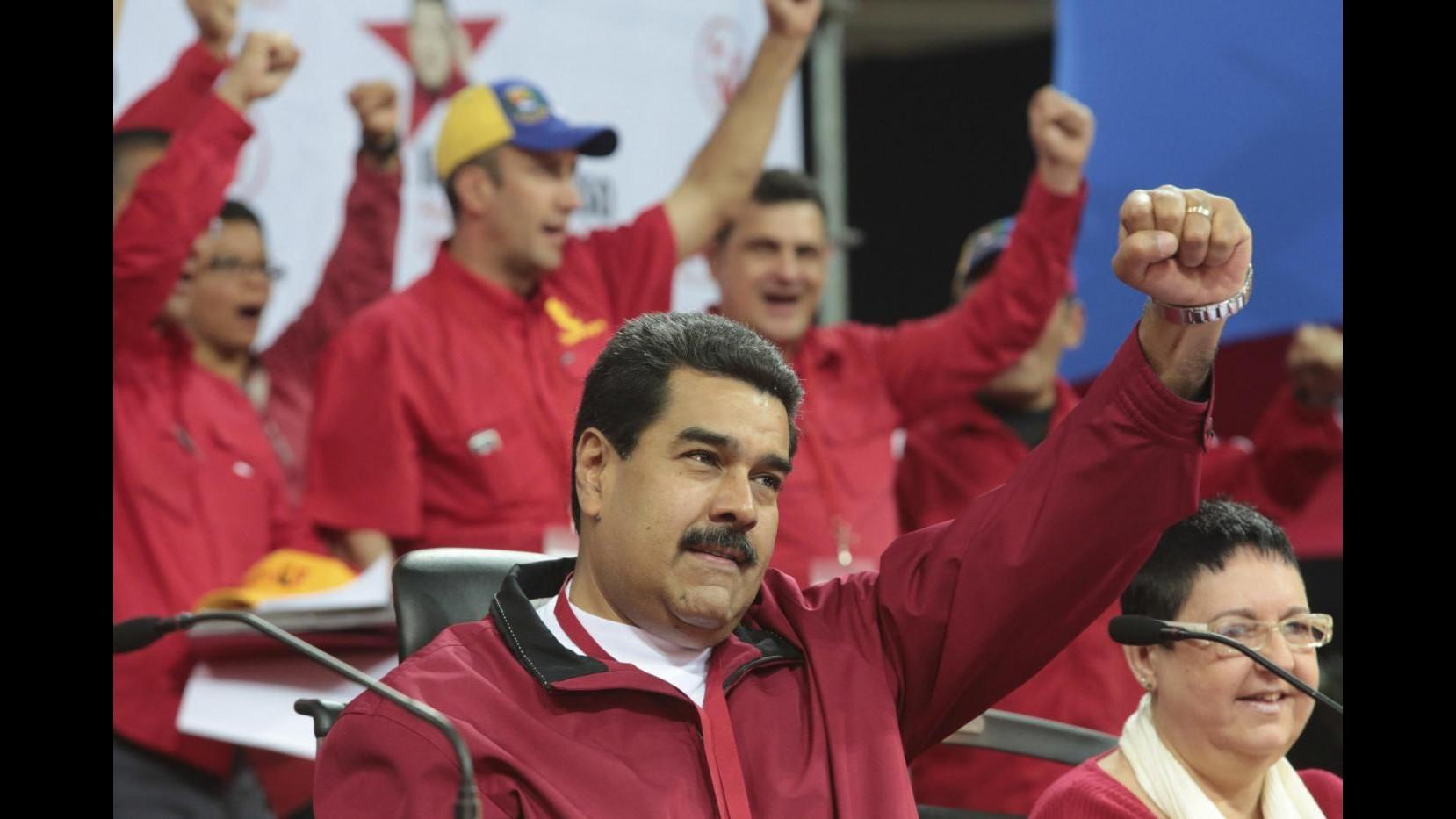 Venezuela, lunedì vertice Unasur dopo denuncia Maduro su tentativi destabilizzazione