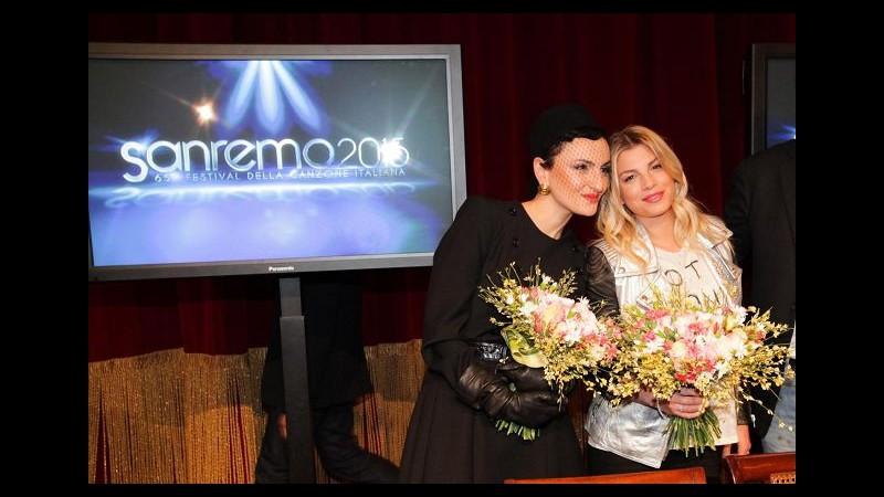 Sanremo, i guardaroba: fai da te per Emma, Arisa Audrey Hepburn, Rocio in Armani e Ferretti