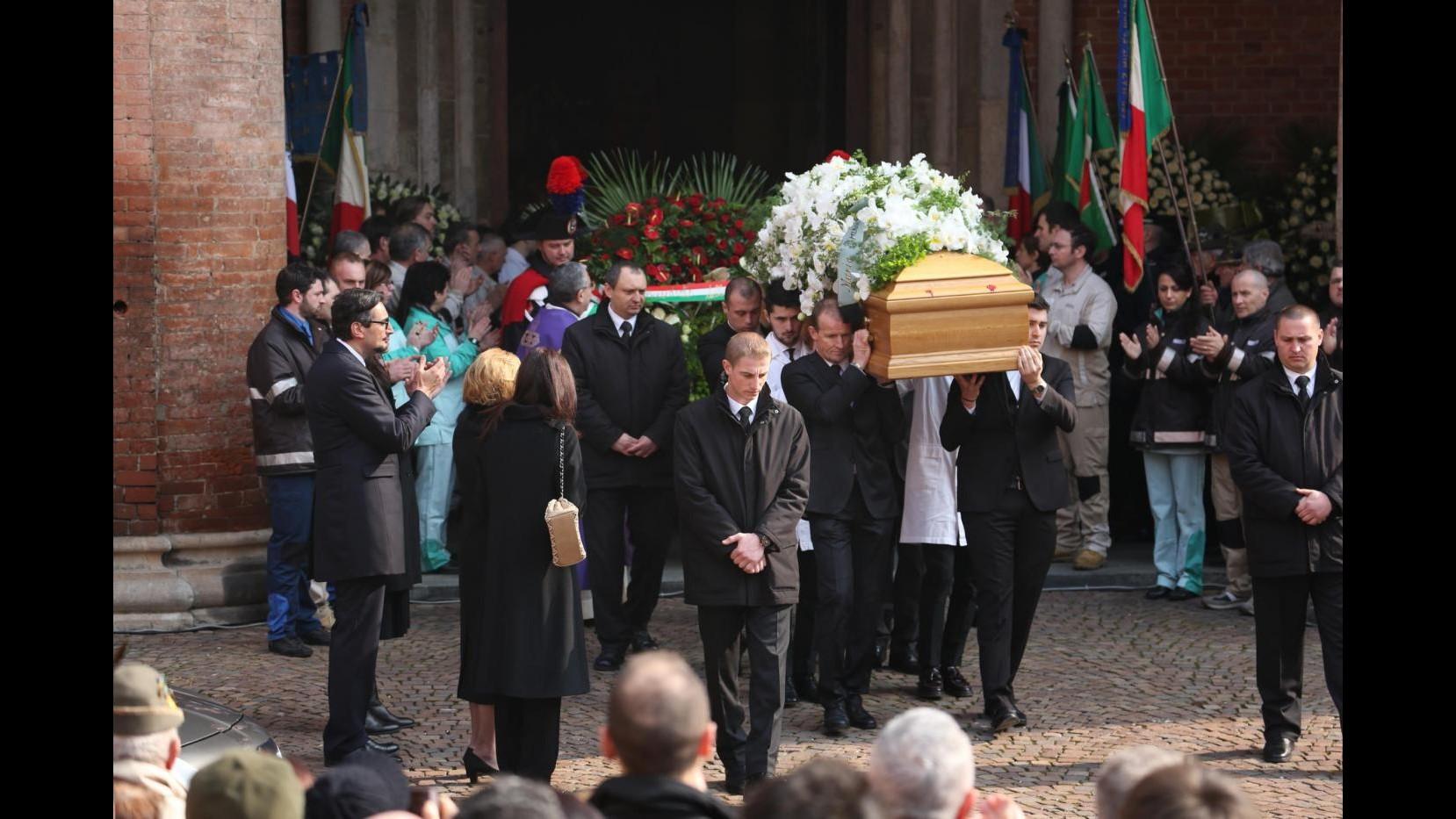 I funerali di Michele Ferrero: Alba si ferma, la città in lutto