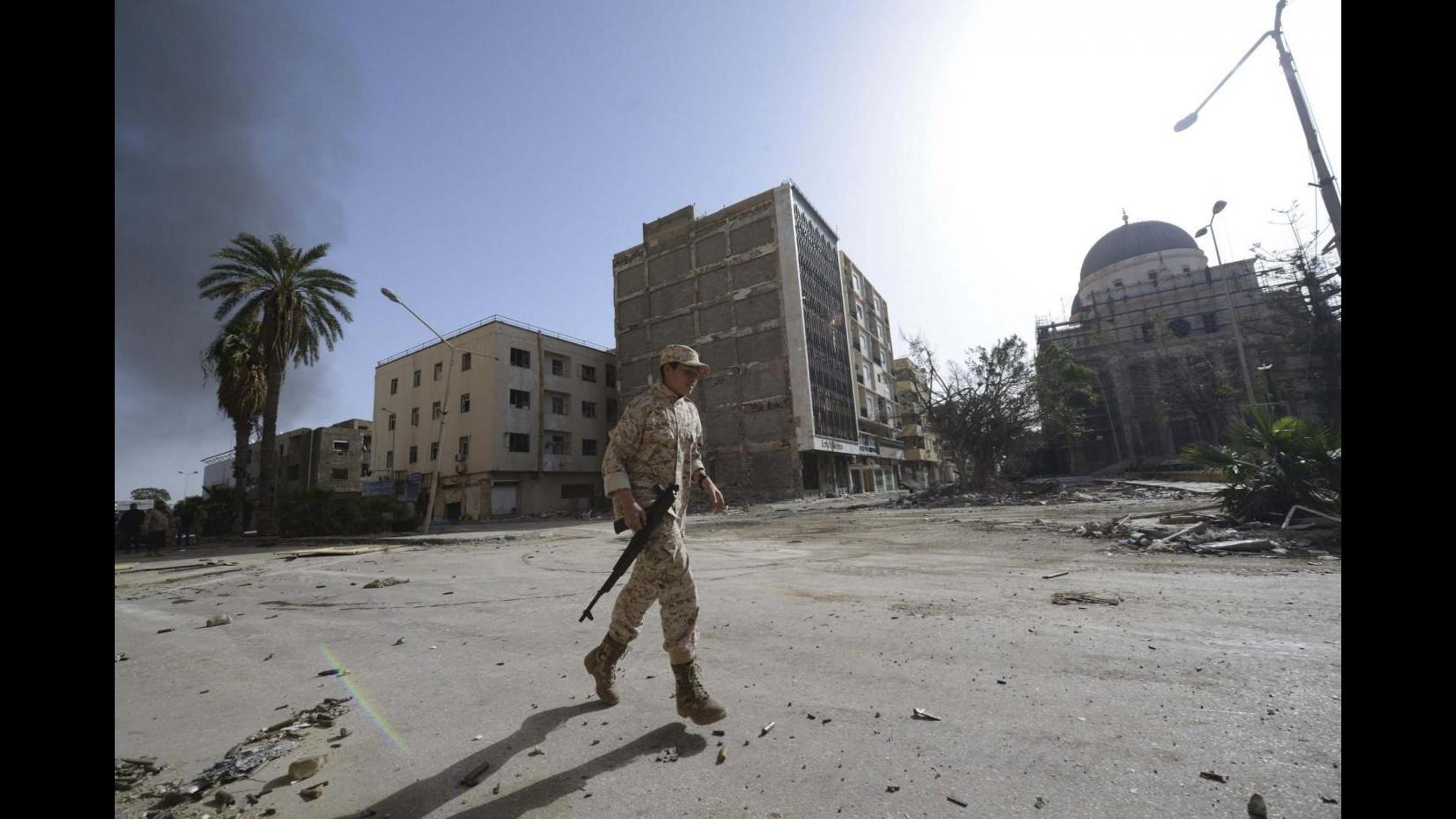 Libia, razzi su Bengasi: 2 morti e 30 feriti, a gennaio 47 morti in città