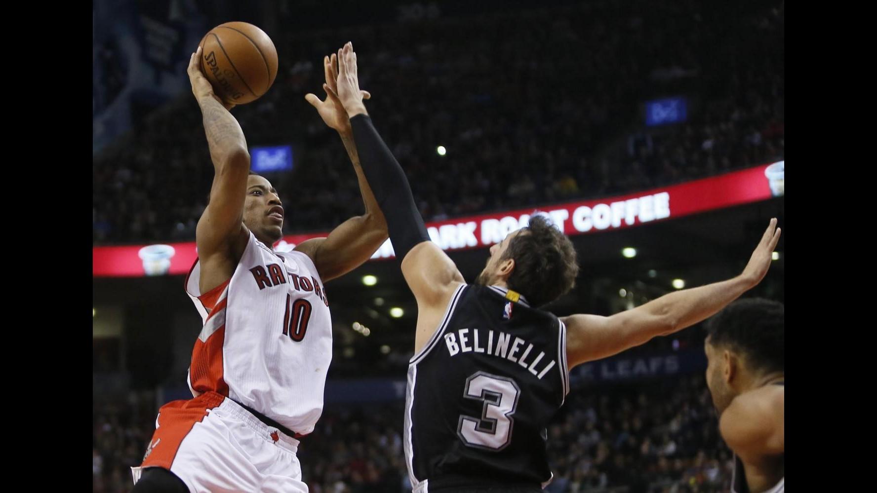Basket, Nba: debutto ok per Datome con Boston, Spurs ancora sconfitti