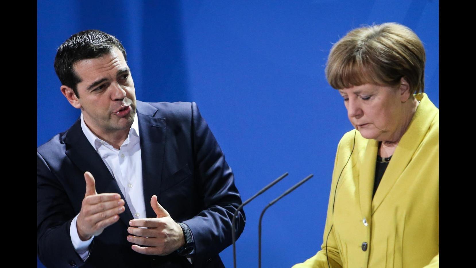 Grecia, Merkel: Vogliamo che economia Atene cresca.            Tsipras: Rispettare trattati Ue