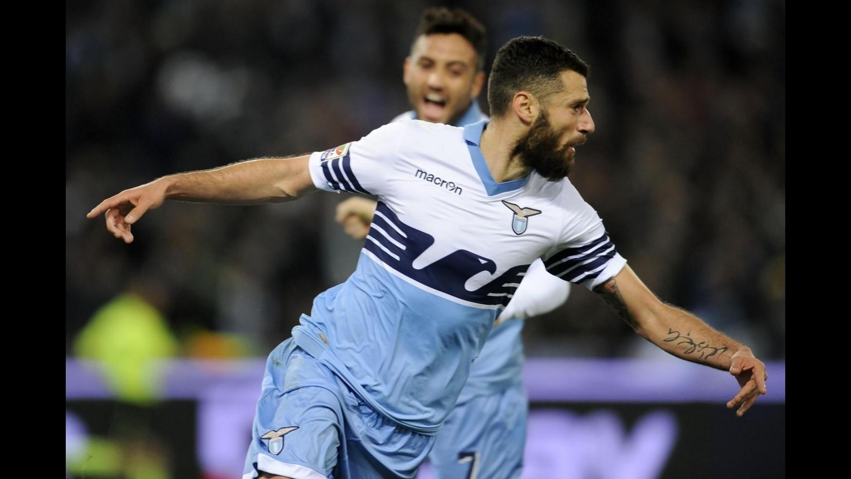 Serie A, la Lazio non si ferma più: Verona battuto 2-0, a segno Anderson e Candreva